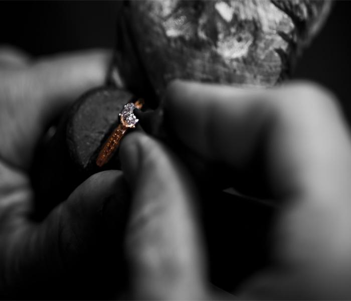 Gyémánt eljegyzési gyűrű készítés